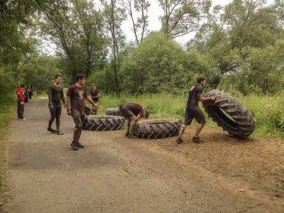 Army Run 2015 - překládání pneumatik